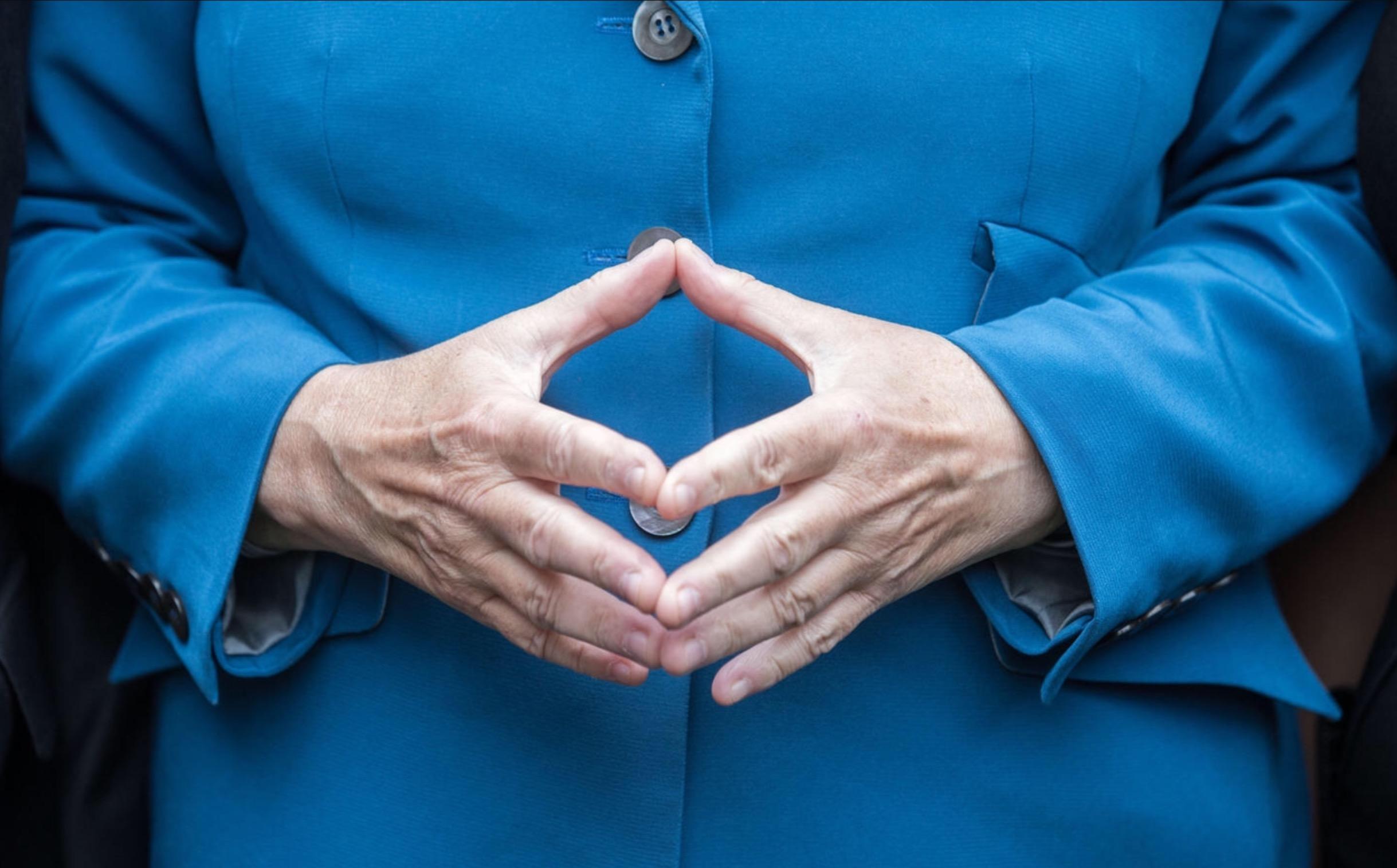 Hände im Fokus bei der Manuellen Therapie